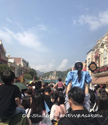 香港ディズニーランド MAIN STREET USA 並ぶ