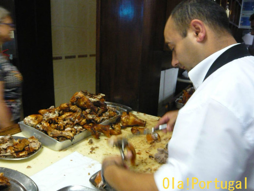 ポルトガル料理:仔豚の丸焼き