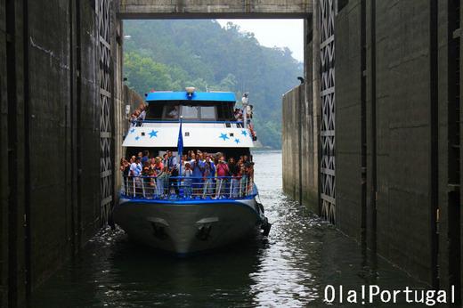 ポルトガル旅行記:ドウロ川クルーズ、ダム超え
