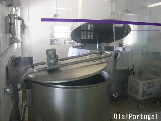 ポルトガルチーズの作り方:加熱殺菌、レンネットを加える
