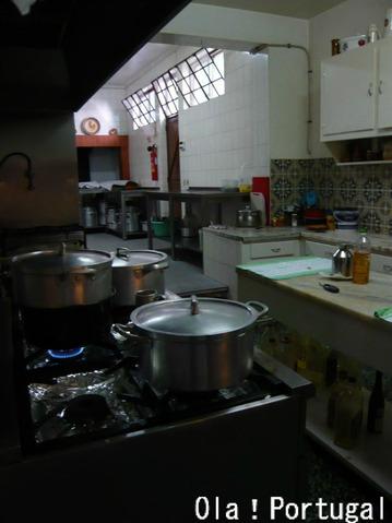 ポルトガル・レストランの厨房を覗いてみた