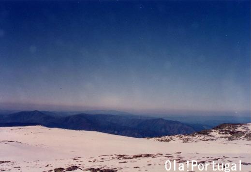 ポルトガル最高峰:エストレーラ山(1993m)