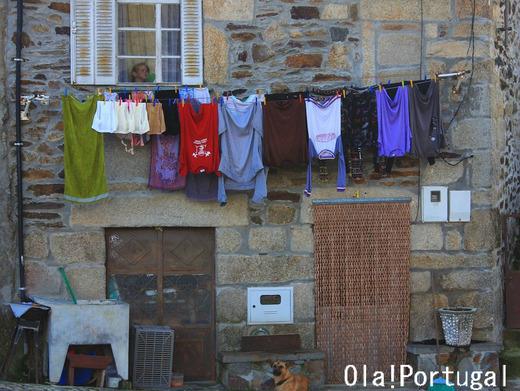 ポルトガルの洗濯物、洗濯台