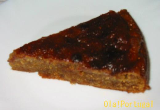 ポルトガルの郷土菓子:ボーロ・デ・フィーゴ(いちじくのケーキ)