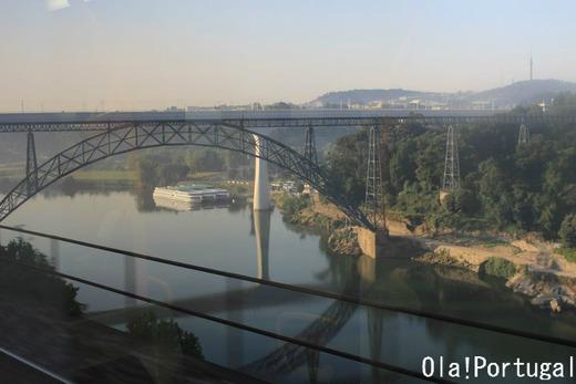 ポルトガル鉄道の旅:サン・ベント~カンパニャン