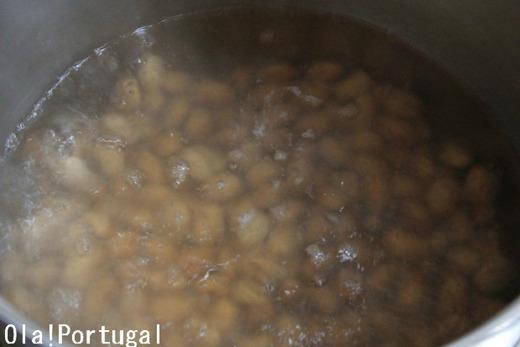 ポルトガル料理:Feijoada フェイジョアーダ(豆と肉の煮込み)