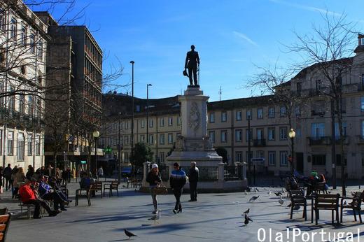 ポルトガル旅行記:ポルト・バターリャ広場
