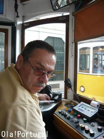 リスボン市電28番線に乗り方:バイシャ~アルファマへ
