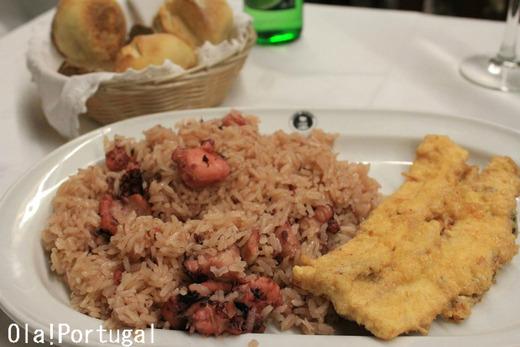 ポルトガル料理:アロース・デ・ポルヴォ(タコ飯とタコの天麩羅)