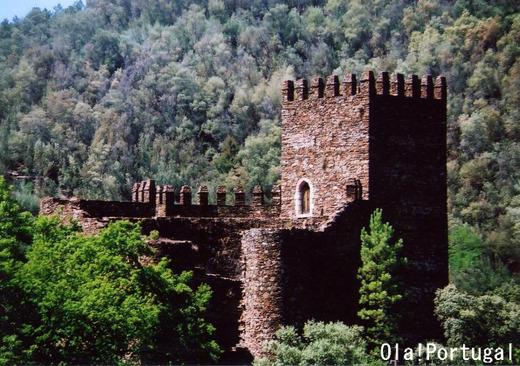 ポルトガル古城巡り:Lousa ロウザン