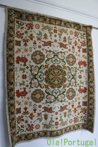 絨毯で有名な美しい村アライオロス