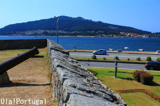 スペインとの国境の町カミーニャ