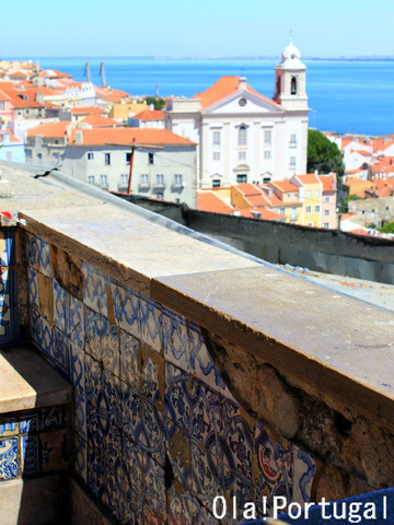 Miradouro de Santa Luzia, Lisboa, Portugal