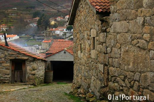 ポルトガル北部:花崗岩の家
