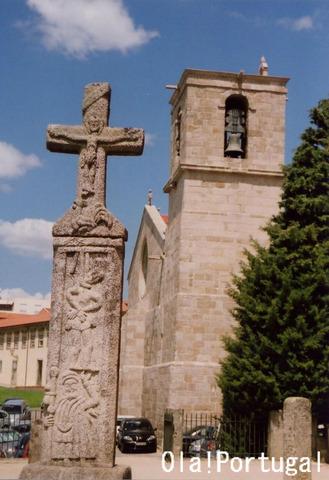 バルセロスの雄鶏伝説にまつわる十字架