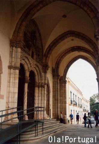 エヴォラ:サン・フランシスコ教会(人骨堂あり)