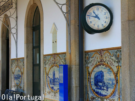 ポルトガル国鉄のアズレージョの美しい駅:カミーニャ駅