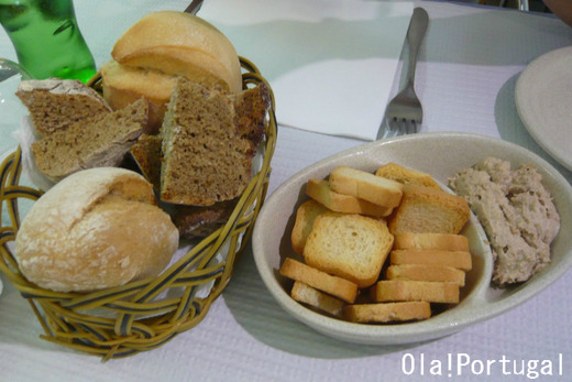 ポルトガル北部のパン:Broa ブロア(トウモロコシのパン)