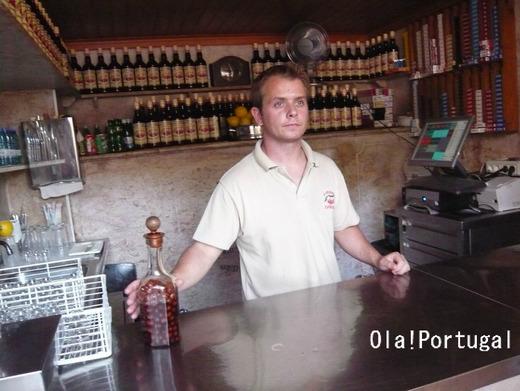 ポルトガル旅行記:リスボンの一杯酒屋ジンジーニャ屋