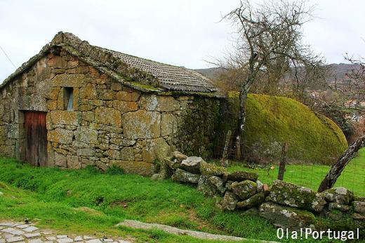 ポルトガルの石の家(カストロ・ダイレ)