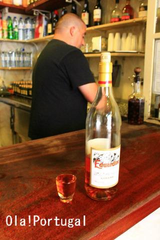 ポルトガルのお酒:Ginjinha ジンジーニャとEduardino