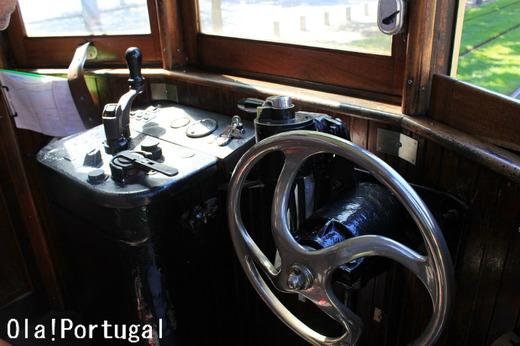 ポルトの路面電車の運転台