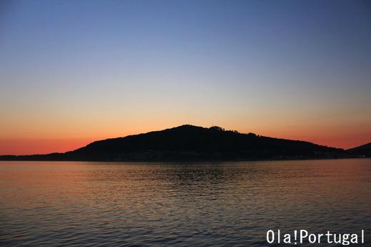 ポルトガルから見たスペインの夜景