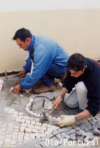 ポルトガルの職人:石畳修理人