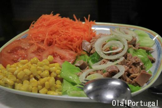 ポルトガル料理:Atum com Salada アトゥン・コン・サラダ