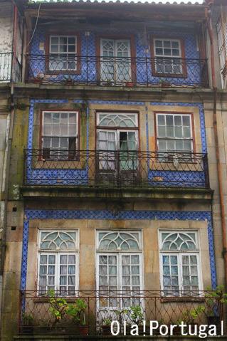 ポルトガルの住まい大図鑑:アズレージョの家(ヴィゼウ)