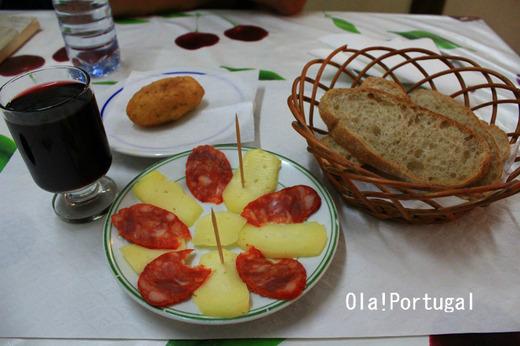 ポルトガル料理:ワイン、チーズ、ハム