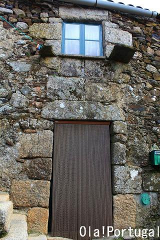 ポルトガル北部山岳地帯の民家の建物