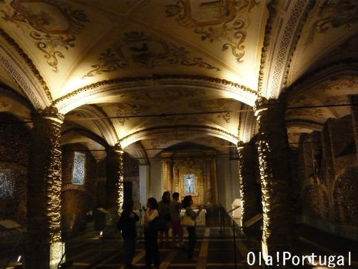 NHK 「検索deゴー!とっておき世界遺産」で紹介のエヴォラ人骨教会