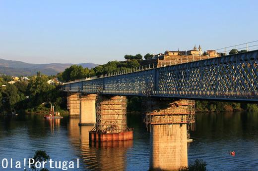 世界の車窓から:ポルトガル~スペインの国境橋を渡る