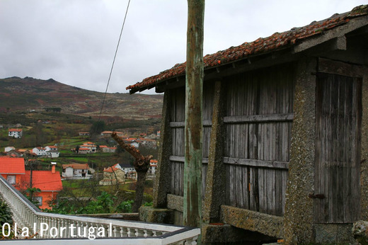 Espigueiros エスピゲイロ(ポルトガル北部に見られる高床式倉庫)