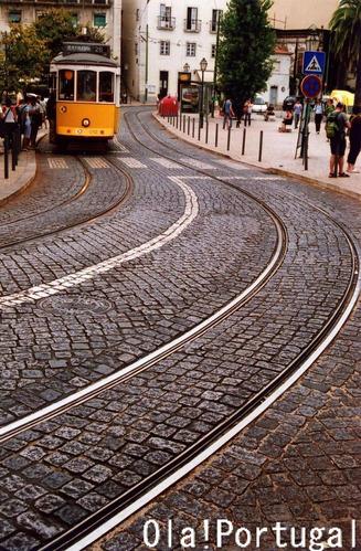 石畳と鉄路と私