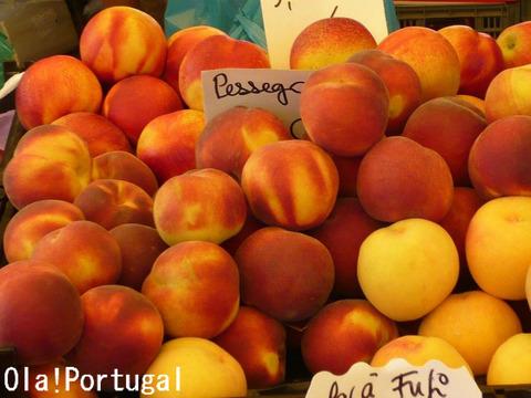 ポルトガルの果物:Pessego ペッセゴ(もも)