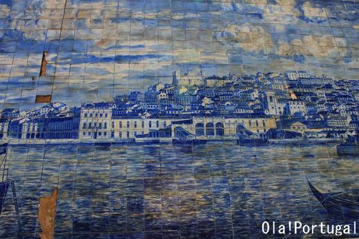 ポルトガルの伝統的装飾タイル:アズレージョ Azulejo