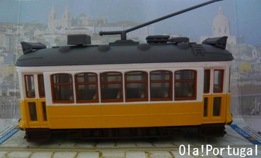 リスボンのお土産(路面電車の模型)