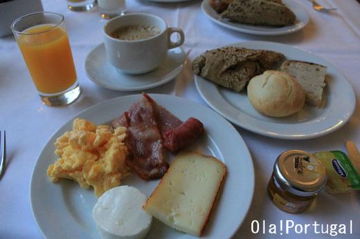 ポザーダ・カステロ・デ・パルメラの朝食