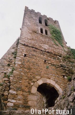 ディニス王とイザベル王妃の居城