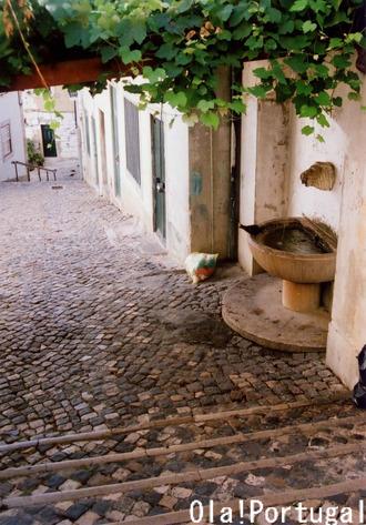 ポルトガル最新ガイド本『レトロな旅時間ポルトガルへ』