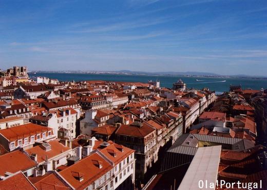 サンタ・ジュスタのエレベータからのリスボンの眺め