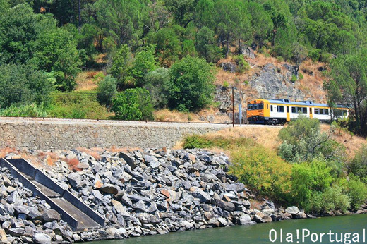 世界の車窓から:ポルトガル・ドウロ線(世界遺産を走る列車の旅)