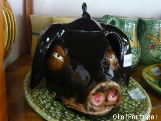 ポルトガル料理:レイタオン(仔豚の丸焼き)