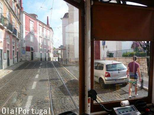 リスボン市電28番線の車窓から:サンタ・ルジア展望台