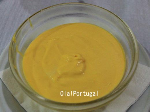 ポルトガル料理デザート:Moose de manga マンゴーのムース