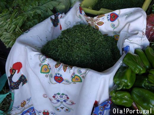 ポルトガル料理:カルド・ヴェルデに入れるガレガキャベツ