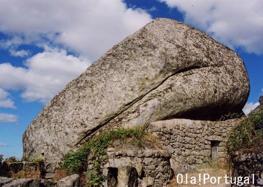 岩の家:ポルトガル(モンサント)