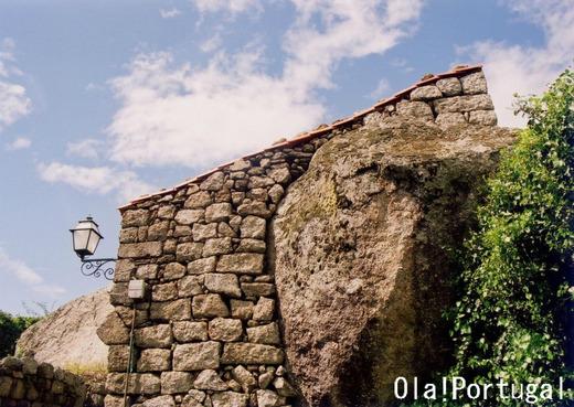 ポルトガル岩の家:Linhares リニャレス